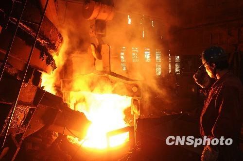钢厂限产加码 期螺大涨逾100 节前再涨一波?